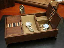 sturdy mens valet box